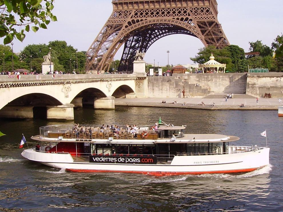 Bastille Day  Dinner Cruise Tickets  River Cruises Paris  Online Tickets